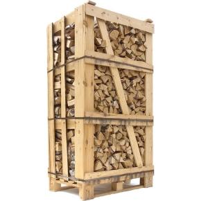 Ovntørret birk i brændetårn, ca. 1,8 m3