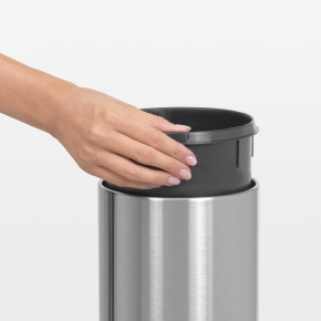 Brabantia Touch Bin 3 L t. væg, passion red