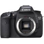 Canon EOS 7D med objektiv EF18-135 IS