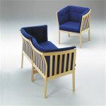 333 3 pers. sofa i massiv ubeh. bøg med blåt stof