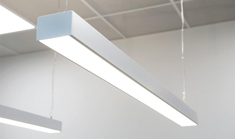 Frithængende rektangulære LED-lamper