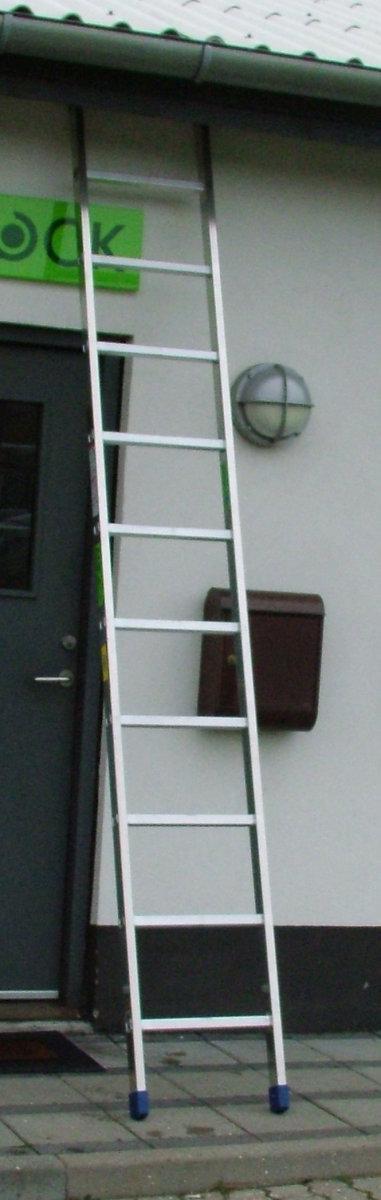 Enkeltstige med lukkede vanger - Højde 3,0 m