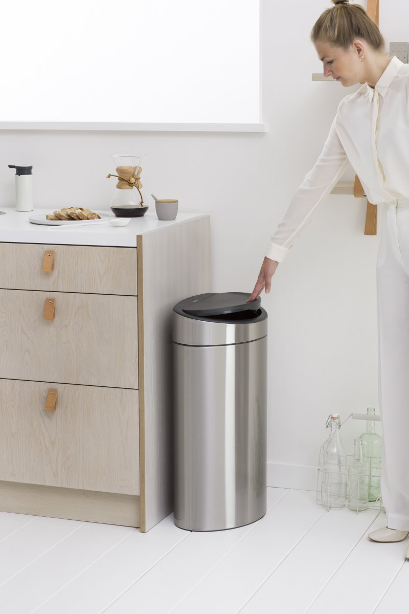 brabantia touch bin 40 l white fri fragt. Black Bedroom Furniture Sets. Home Design Ideas