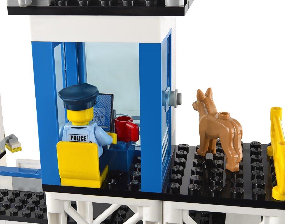 LEGO City 60141 Politistation, 6-12 år