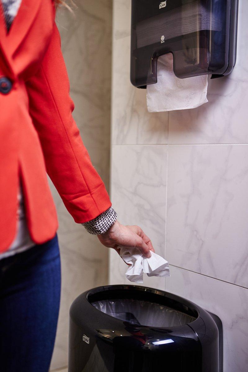 Tork H3 Dispenser Håndklædeark, sort