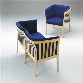 331 Lænestol i massiv ubeh. bøg med blåt stof